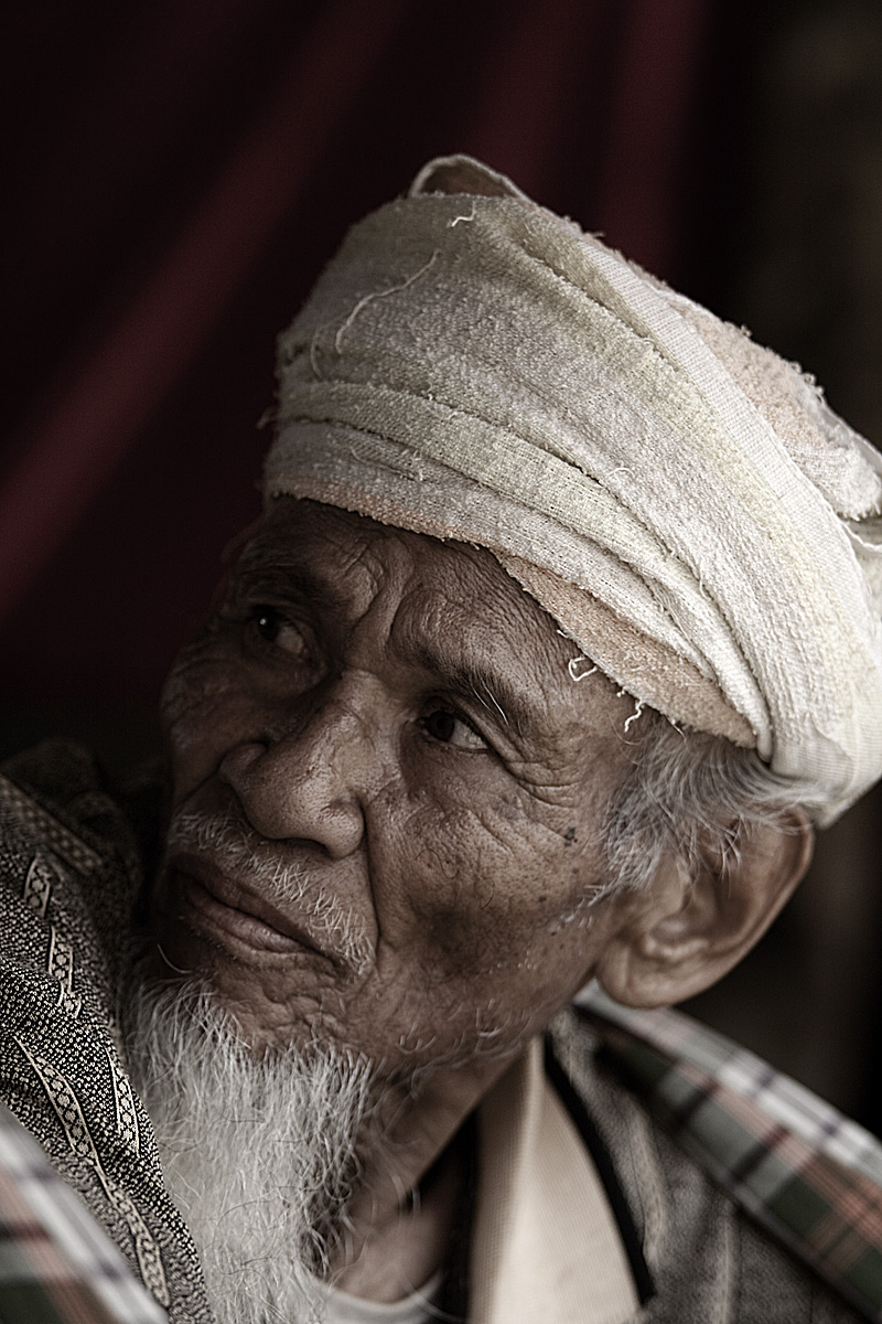 An old Torajan man. - Rantepao, Sulawesi, Indonesia - Daily Travel Photos