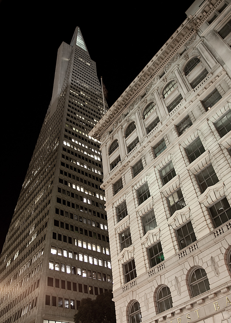 Transamerica building at night in the financial district downtown. - San Francisco, California, USA - Daily Travel Photos