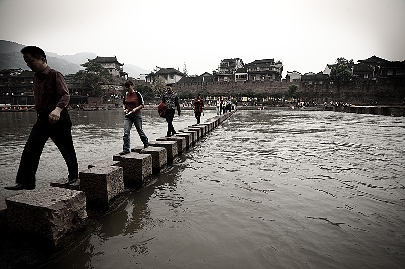 A dangerous footbridge in a picturesque Chinese village. - Fenghuang, Hunan, China - Daily Travel Photos
