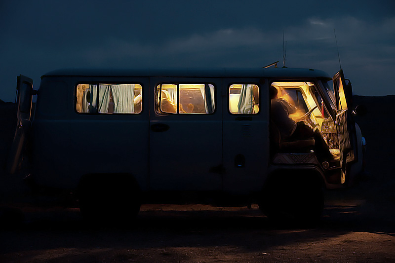 Jaman Yos soviet all-terrain 4wd shared transportation, van. - Gobi Desert, Mongolia - Daily Travel Photos