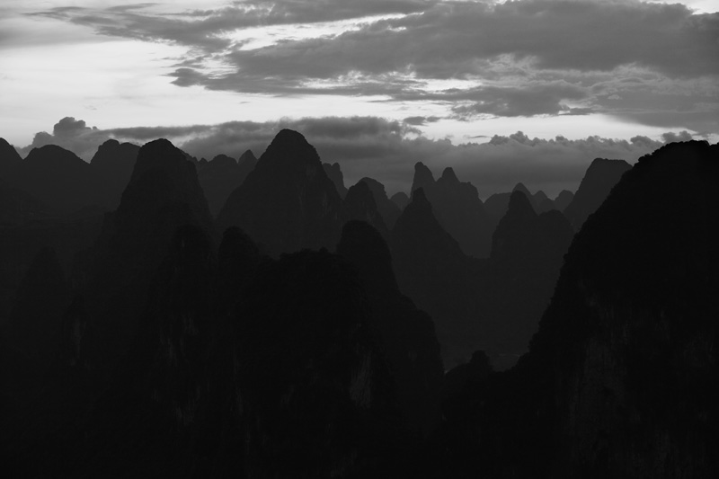 Karst formations in south China - Xingping, Guanxi, China - Daily Travel Photos