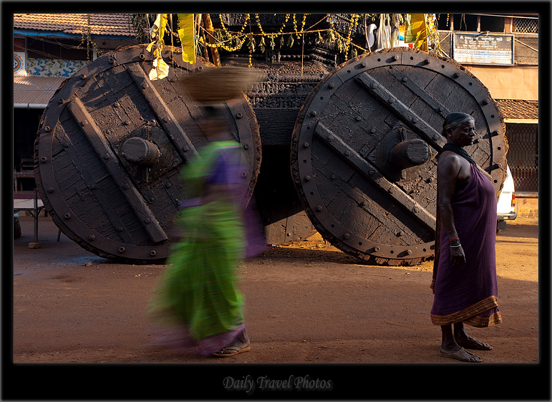 Axis of the wheel of a ratha chariot - Gokarna, Karnataka, India - Daily Travel Photos