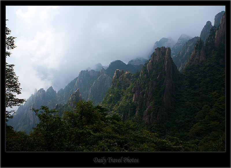 Misty peaks of a mountain - Huangshan, Zhejiang, China - Daily Travel Photos