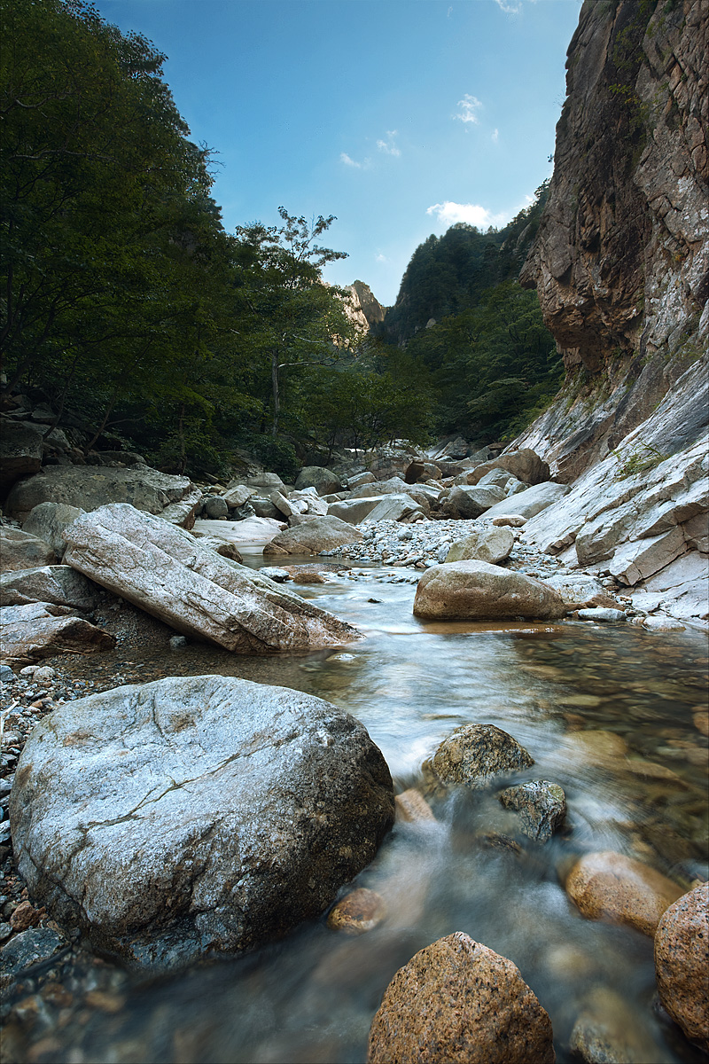 Concealed Crest Mountain Stream Valley Rocks - Seoraksan, South Korea - Daily Travel Photos