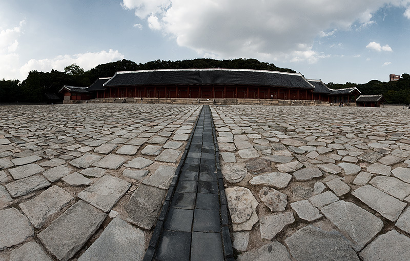 Jongmyo Jeongjeon Main Hall Panorama Straight - Seoul, South Korea - Daily Travel Photos