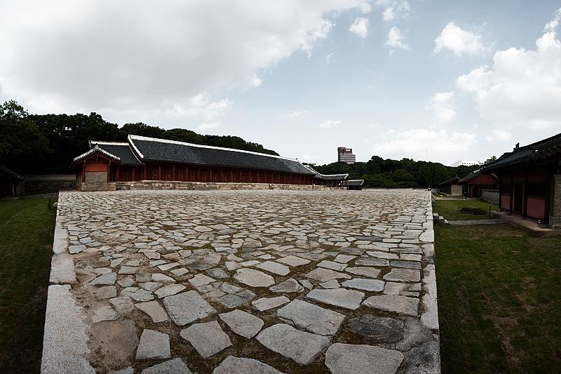 Jongmyo Jeongjeon Main Hall Side Panorama - Seoul, South Korea - Daily Travel Photos