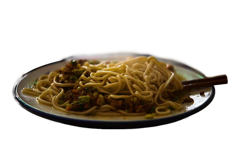Lanzhou Lamian Hand Pulled Noodles Plate Steaming - Dali, Yunnan, China - Daily Travel Photos