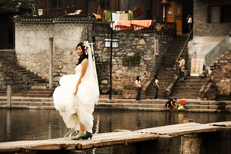 Chinese Bride Bridge Wedding Dress Li River - Fenghuang, Hunan, China - Daily Travel Photos