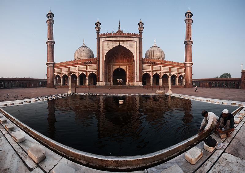Jama Masjid Main Mosque East Gate Muslim Pool Reflection Laundry - Delhi, India - Daily Travel Photos