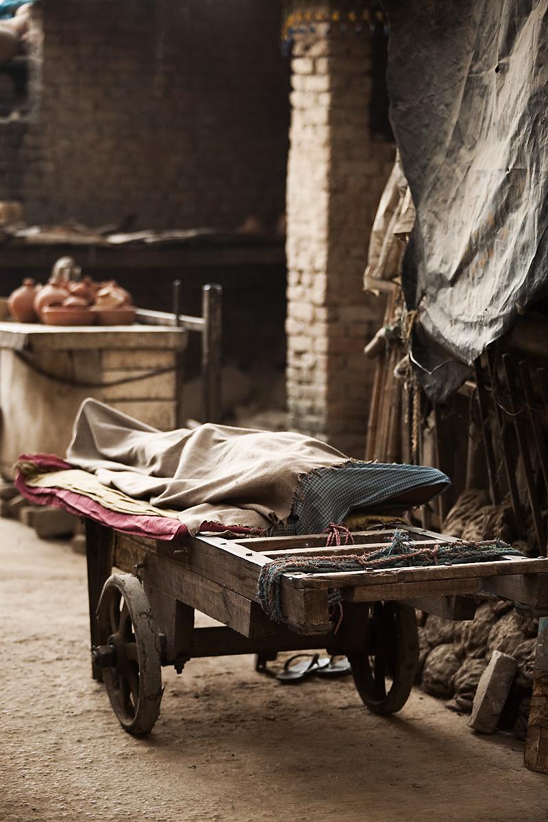 Cart Homeless Man Laborer Worker Sleeps Bed Covered Blanket - Delhi, India - Daily Travel Photos