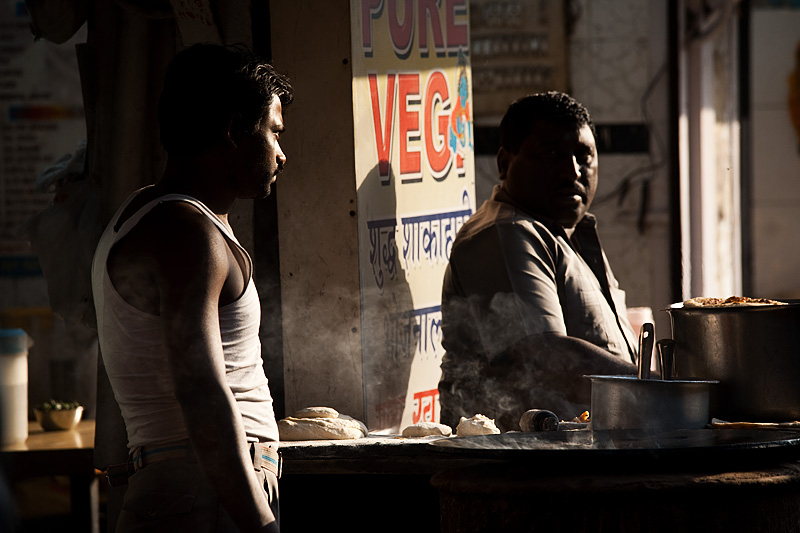 Parantha Cook Restaurant Owner Chat - Delhi, India - Daily Travel Photos