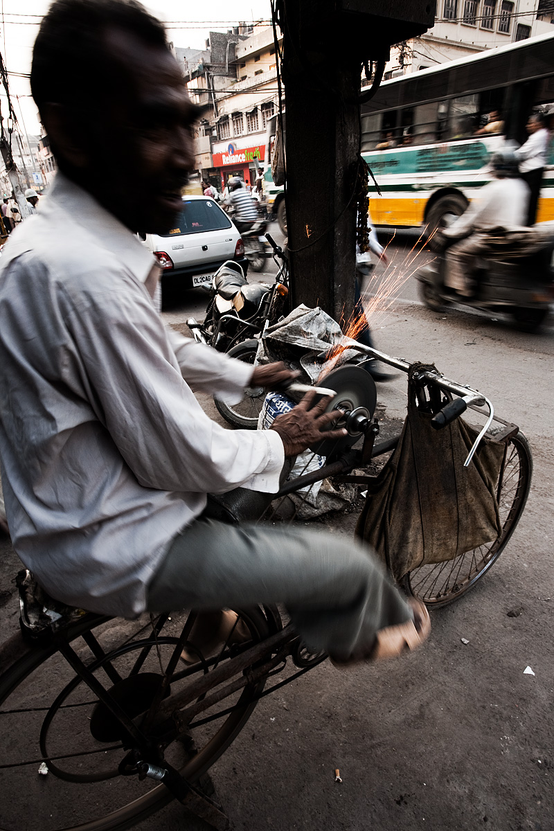 Bicycle Stone Grinder Knife Sharpener Sparks Happy - Delhi, India - Daily Travel Photos