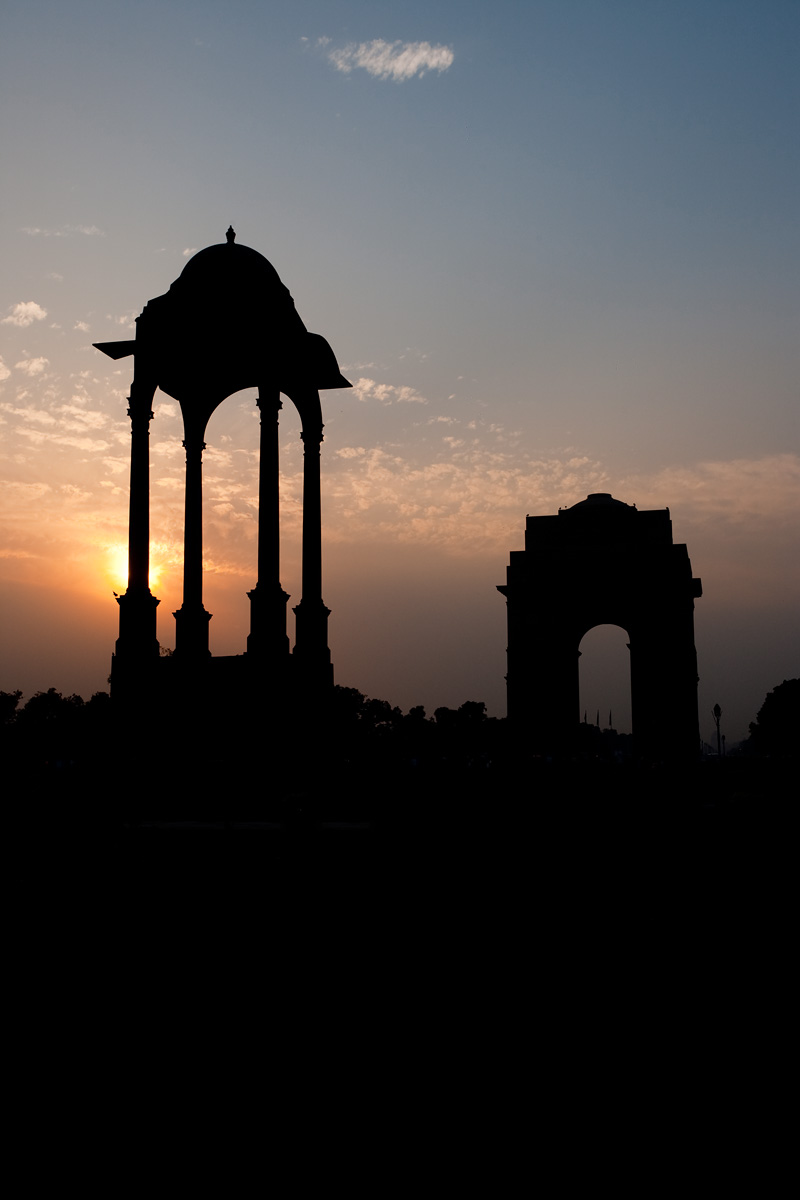 India Gate and a nearby structure at sunset. - Delhi, India - Daily Travel Photos