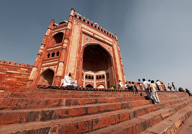 The south entrance of Fatehpur Sikri's Jama Masjid. - Fatehpur Sikri, Uttar Pradesh, India - Daily Travel Photos