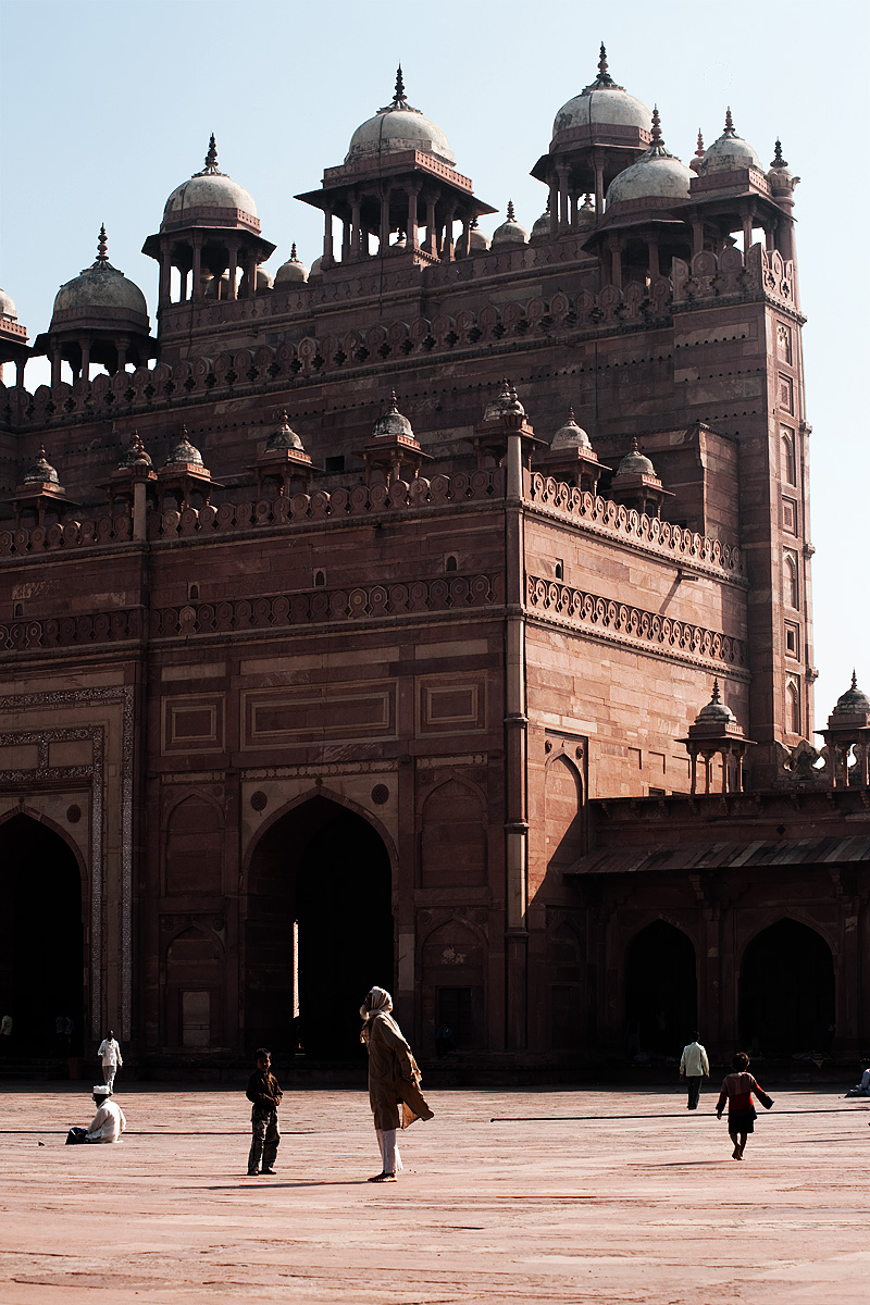 An inner view of the south entrance of Jama Masjid. - Fatehpur Sikri, Uttar Pradesh, India - Daily Travel Photos