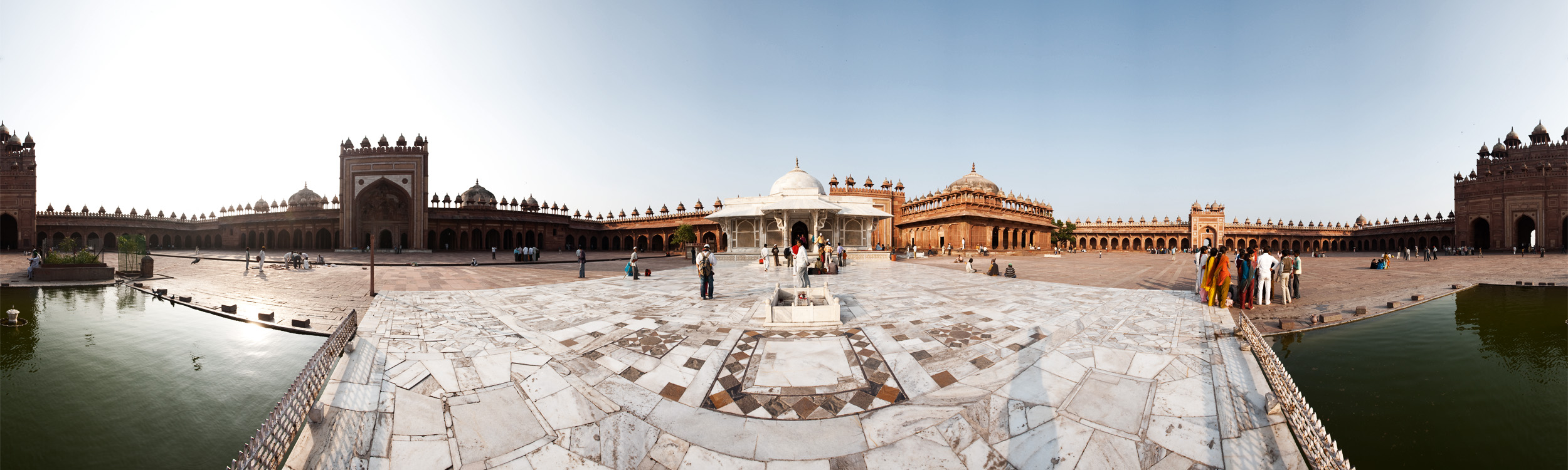 Panorama of Jama Masjid Courtyard. - Fatehpur Sikri, Uttar Pradesh, India - Daily Travel Photos
