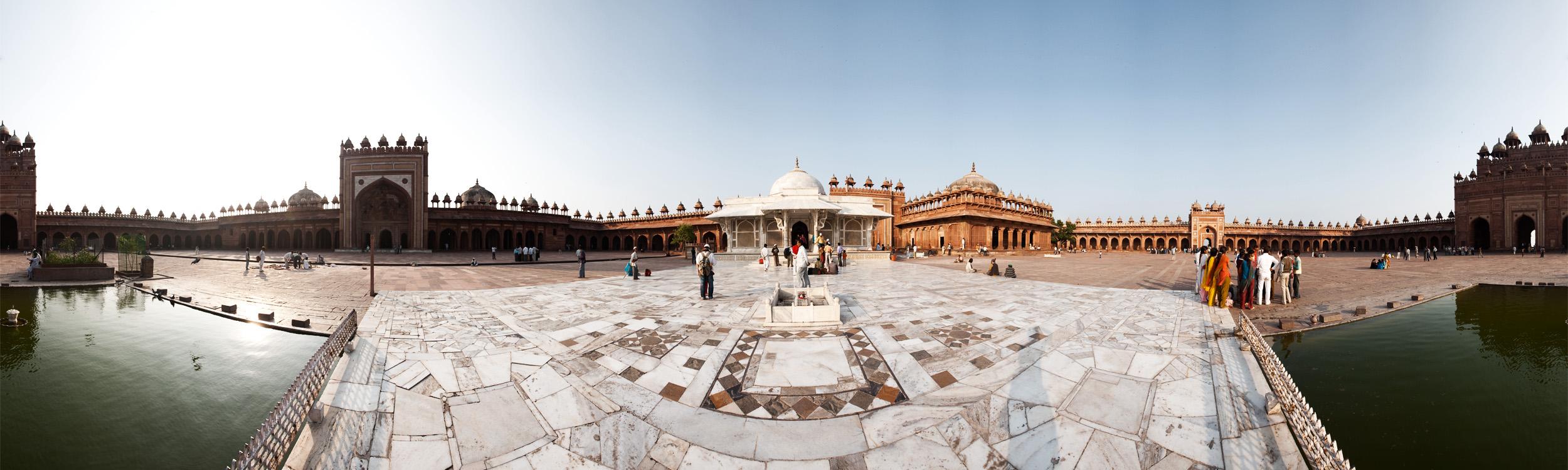 Panorama of Jama Masjid Courtyard. - Fatehpur Sikri, Uttar Pradesh, India - Daily Travel Photos