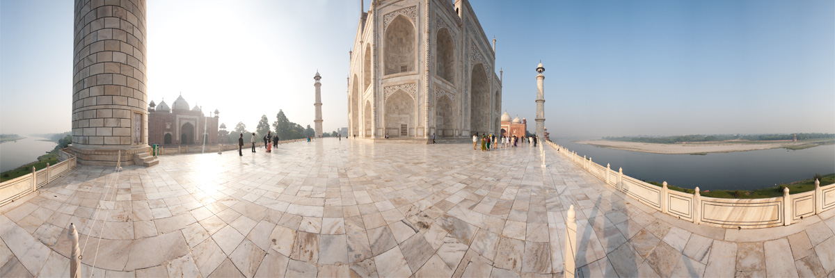 A panorama of the Taj Mahal seen from the raised marble platform. - Agra, Uttar Pradesh, India - Daily Travel Photos