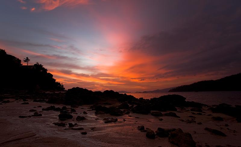 The sunset at low tide near Mountain Resort. - Ko Lipe, Thailand - Daily Travel Photos