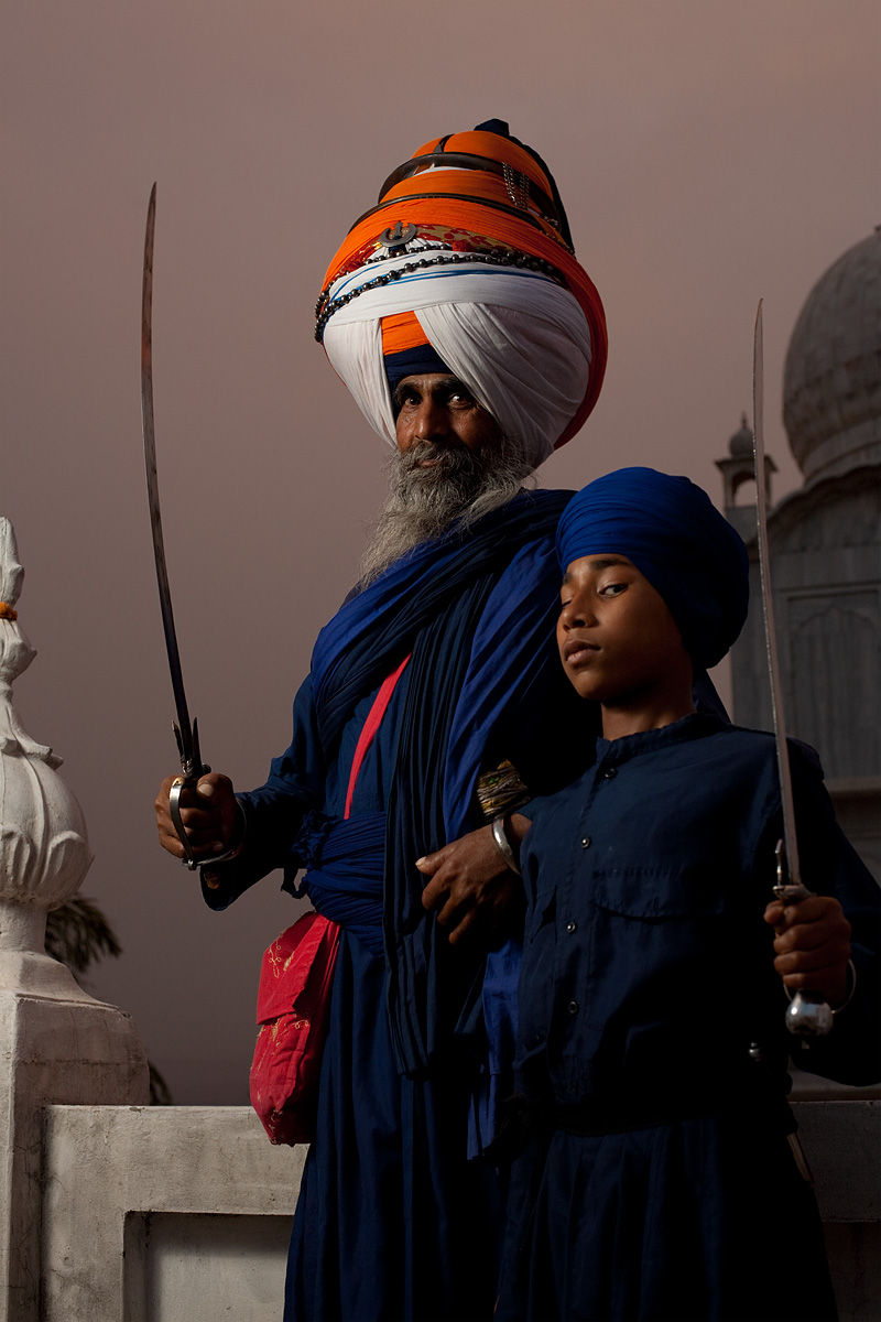 The Paonta Sahib gurudwara leader and a young Sikh student.  - Paonta Sahib, Himachal Pradesh, India - Daily Travel Photos