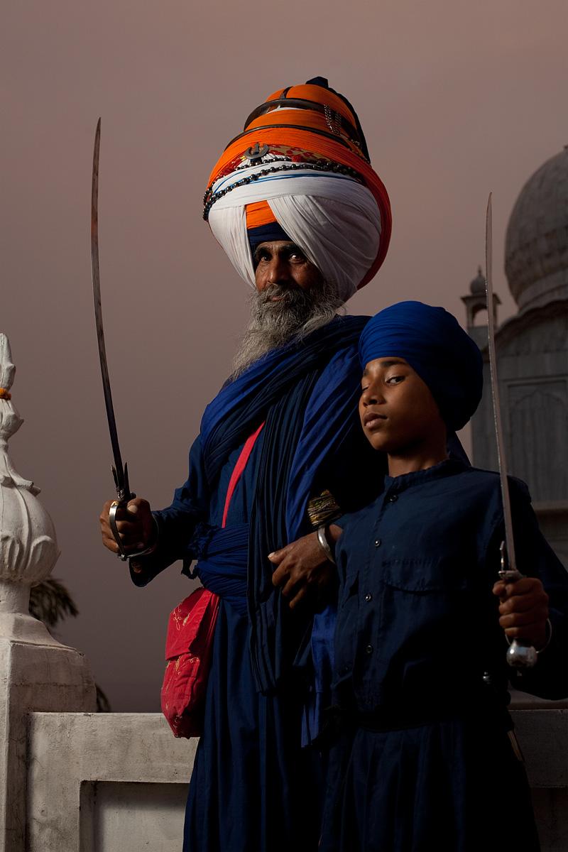 The Paonta Sahib gurudwara leader and a young Sikh student.  - Paonta Sahib, Himachal Pradesh, India - Daily Travel Photos