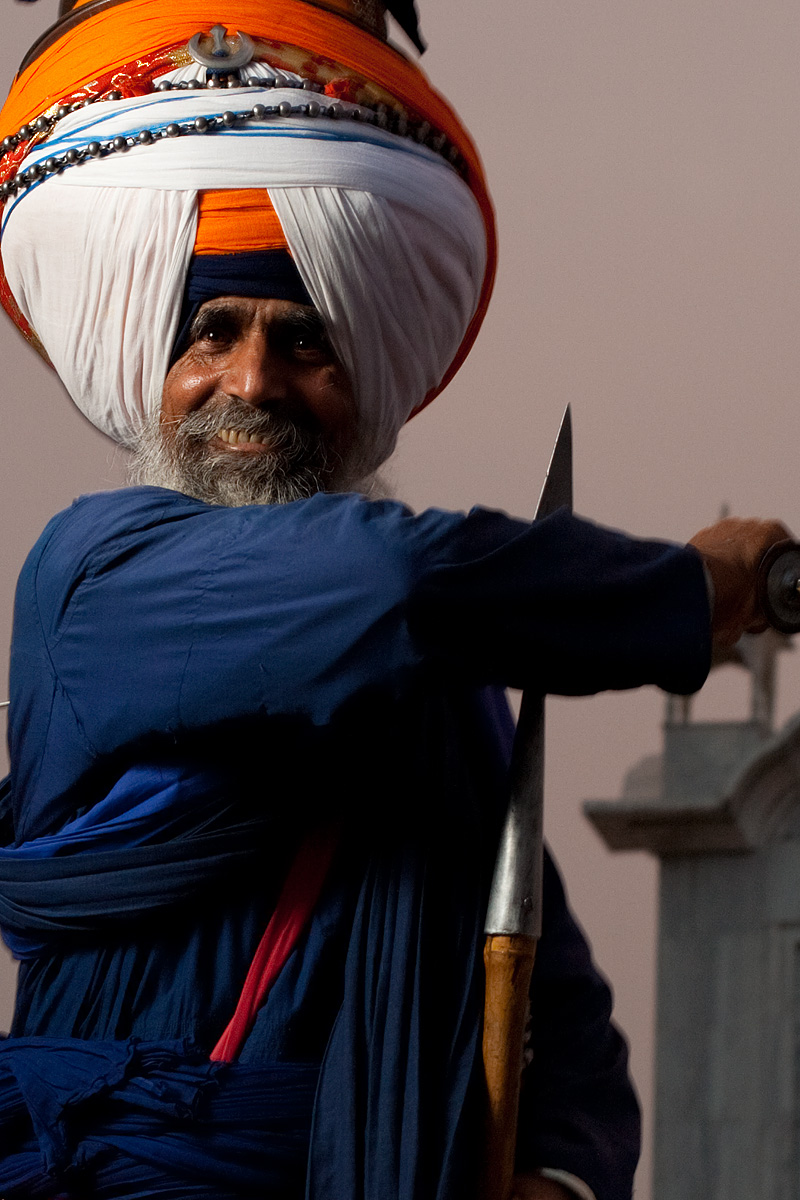 Outtakes of the elder chief of the Paonta Sahib gurudwara. - Paonta Sahib, Himachal Pradesh, India - Daily Travel Photos