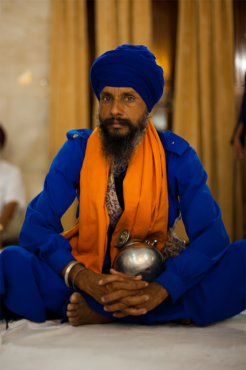 Sikh officer at the gurudwara. - Paonta Sahib, Himachal Pradesh, India - Daily Travel Photos
