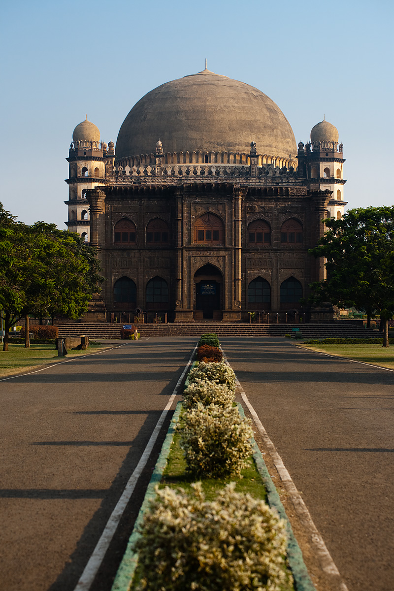 The Golgumbaz entry road - Bijapur, Karnataka, India - Daily Travel Photos