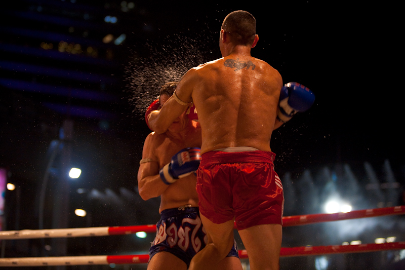 Clutch Punch Knee Muay Thai Kickboxing - Bangkok, Thailand - Daily Travel Photos