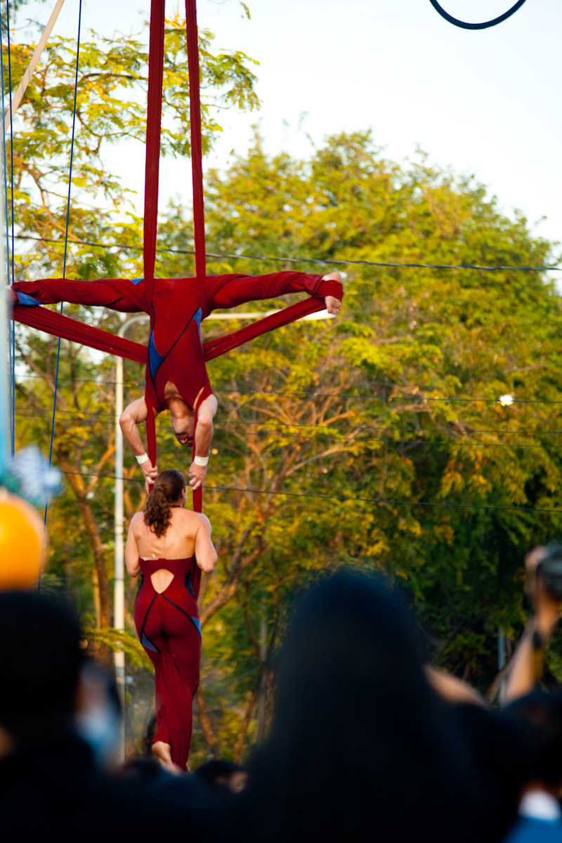 Mid-Air Suspended Acrobatics Man Woman Lumphini Park - Bangkok, Thailand - Daily Travel Photos