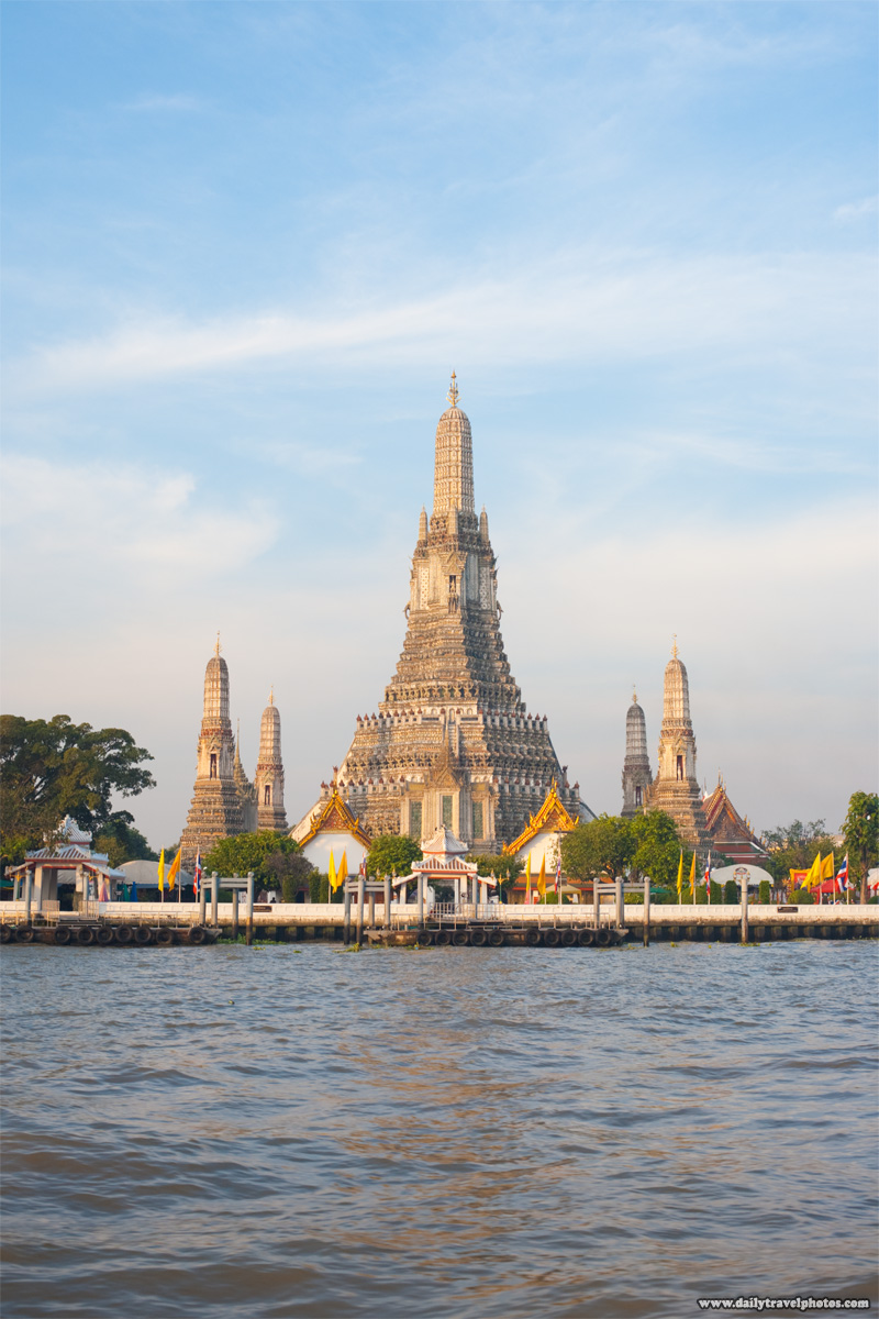 Wat Arun Temple of Dawn Chao Phraya - Bangkok, Thailand - Daily Travel Photos