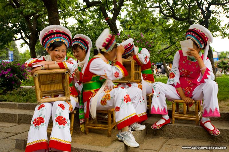 Beautiful Bai Ethnic Minority Girls - Dali, Yunnan, China - Daily Travel Photos