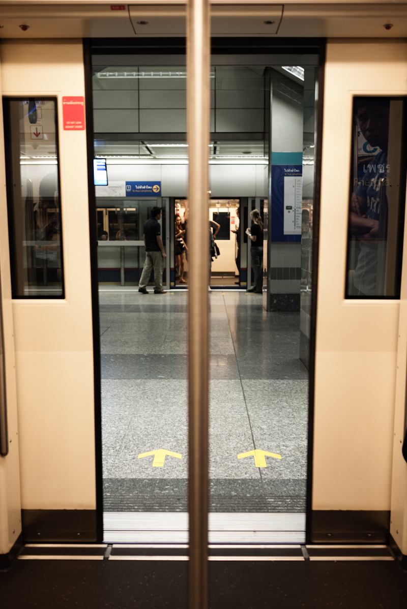 MRT Metro Subway Train Doors Closing - Bangkok, Thailand - Daily Travel Photos