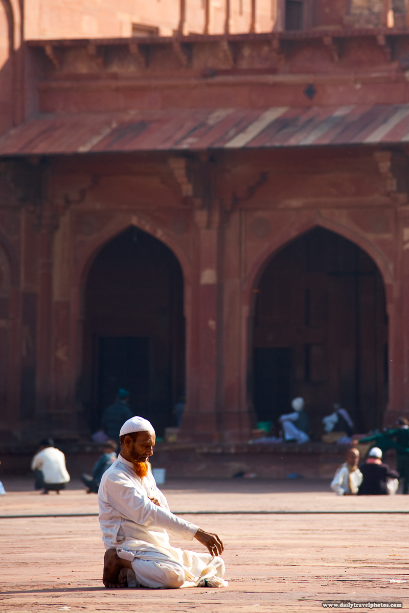Red Henna Beard Dye Muslim Man Pray Jama Masjid - Fatehpur Sikri, Uttar Pradesh, India - Daily Travel Photos