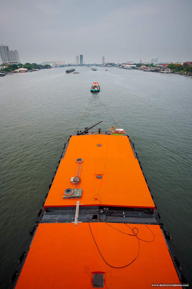 Tugboat Barge Chao Phraya Shipping - Bangkok, Thailand - Daily Travel Photos