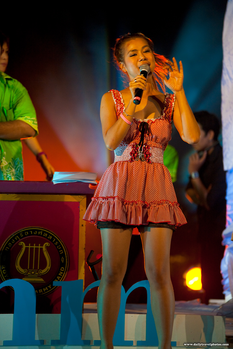 Cute Thai Singer Great Lighting Stage Performance - Bangkok, Thailand - Daily Travel Photos