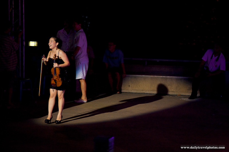 Female Thai Violinist Spotlight Crowd Performance Show - Bangkok, Thailand - Daily Travel Photos
