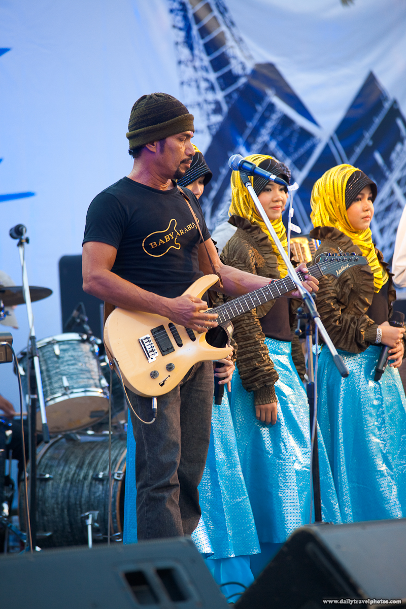 La Fete Bangkok Baby Arabia Southern Thailand Muslim Band Male Lead Singer - Bangkok, Thailand - Daily Travel Photos
