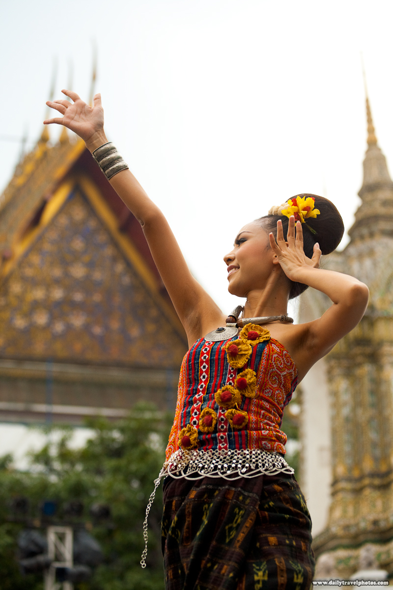 Northern Thai Dance Songkran Wat Pho Beautiful Woman - Bangkok, Thailand - Daily Travel Photos