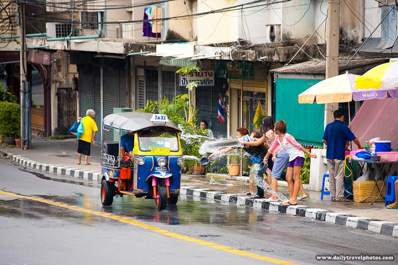 Tuk-Tuk Songkran Water Fight Bucket Foreigner - Bangkok, Thailand - Daily Travel Photos