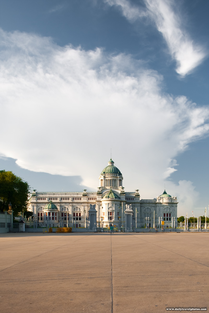 Ananta Samakhom Throne Hall Dusit Palace Entrance Beautiful Sky - Bangkok, Thailand - Daily Travel Photos