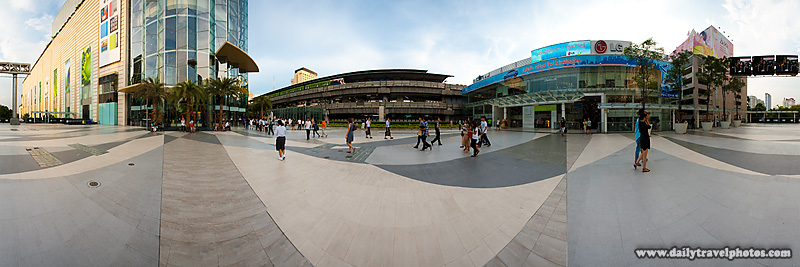 User Controlled Panorama of Siam-Paragon Mall Walkway Open Area Fountain - Bangkok, Thailand - Daily Travel Photos