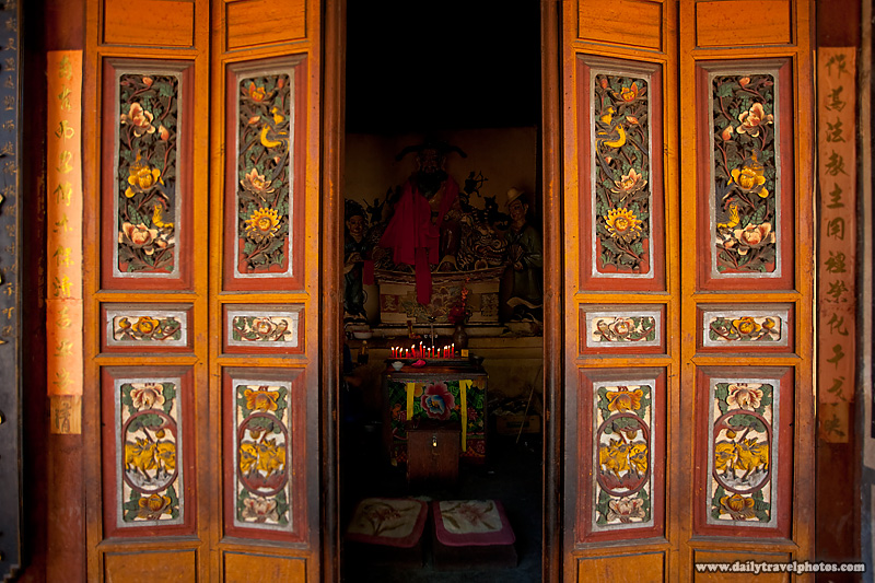 Beautifully Decorated Chinese Folding Doors Opening To Altar - Dali, Yunnan, China - Daily Travel Photos