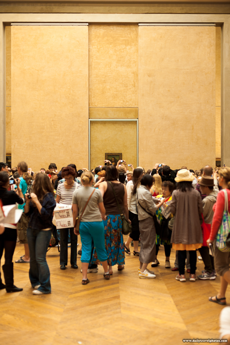 Crowded Room At Louvre Museum Containing Mona Lisa - Paris, France - Daily Travel Photos