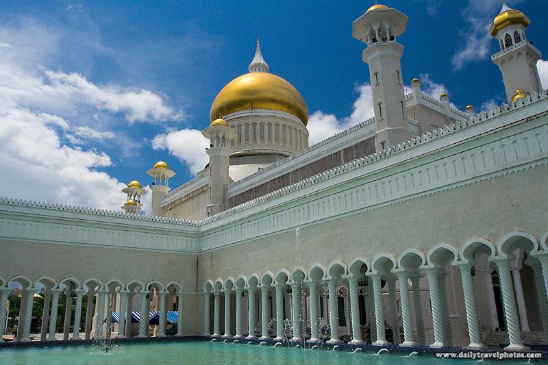 Sultan Omar Ali Saifuddin Mosque Fountain Courtyard Footbath - Bandar Seri Begawan, Brunei - Daily Travel Photos